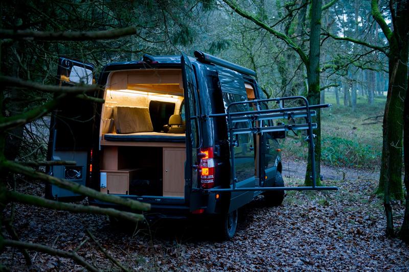 mercedes sprinter zum wohnmobil ausbauen lassen hier. Black Bedroom Furniture Sets. Home Design Ideas