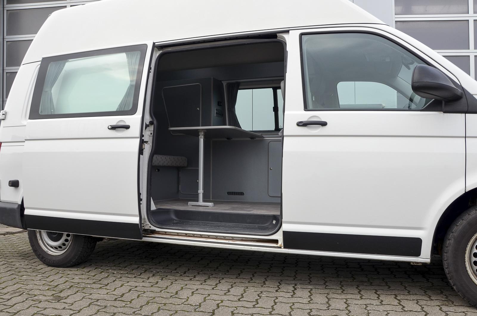fahrzeugeinrichtungen wohnmobil kastenwagen ausbau. Black Bedroom Furniture Sets. Home Design Ideas