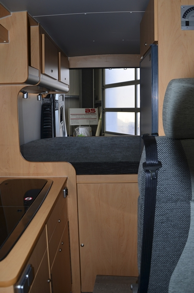 ausbau kastenwagen zum reisemobil vw crafter t6 reimporte sehr preisg nstig. Black Bedroom Furniture Sets. Home Design Ideas